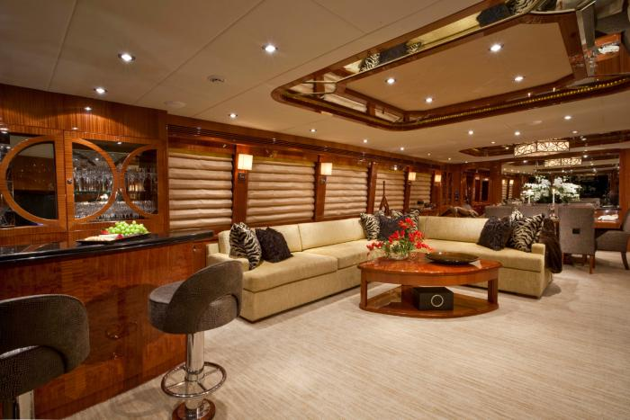 Inside luxury homes bathroom - Main Salon The Interior Of This 100 Motor Yacht Was Designed