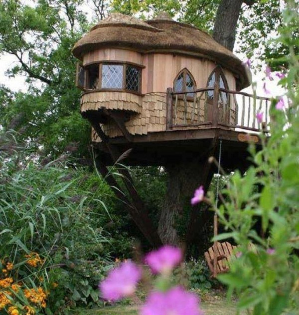 10 Unusual But Interesting Tree Houses Home Design