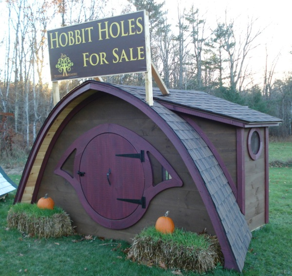 Hobbit-Holes-for-Work-or-Play-20