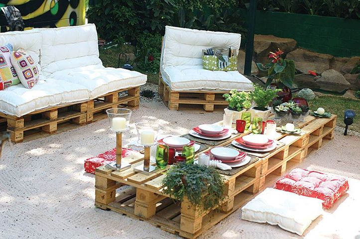 Recycle Pallets and Turn Them Into Unique Pieces of Furniture | Home ...