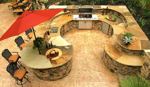 Elegant and traditional outdoor kitchen home design garden