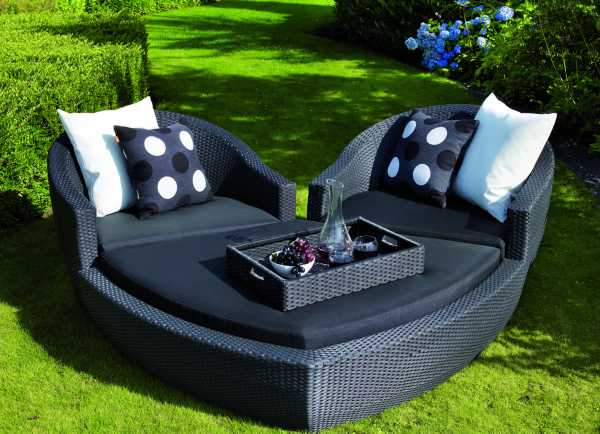Weatherproof ravello heart outdoor lounge set home for Garden lounge furniture sets