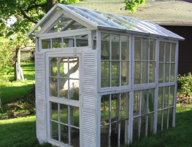 greenhouse-made-from-old-windows-5