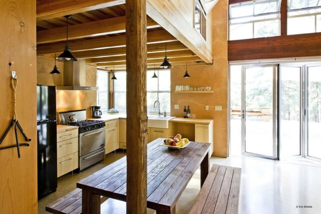 off-the-grid-strawbale-cabin-5