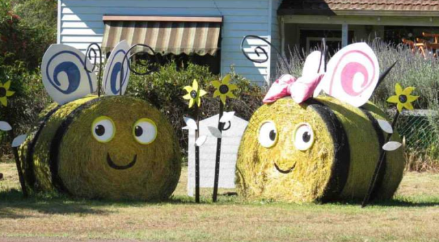 ideas-made-out-of-bales-of-hay-2